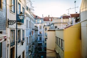 Jak zabezpieczyć dach z papy przez zniszczeniem?