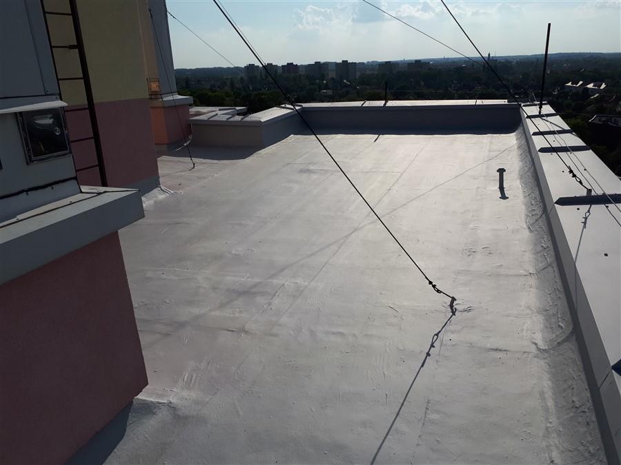 Hydroizolacja dachu płaskiego materiałem DuroDACH R